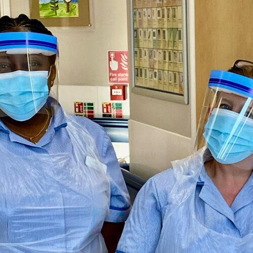 x nurses in ppe